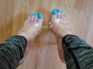 Instagram Model : Showing Off Long Toes And Big Nail Beds. Long Blue Nails.